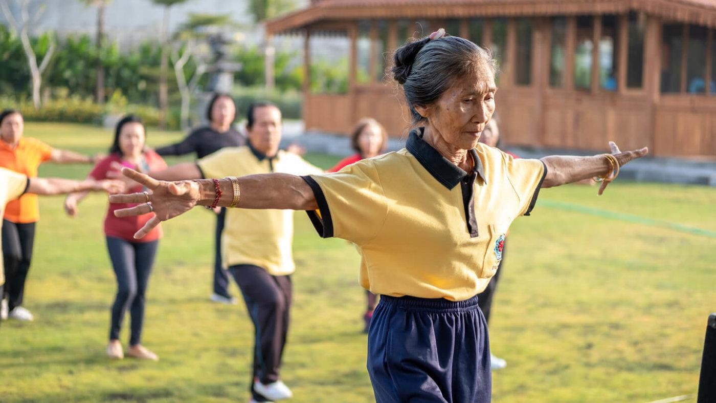 lansia kita aktif dan bahagia